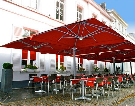 cantilever-cafe-umbrellas