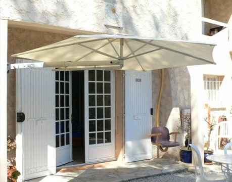 wall-mounted-commercial-umbrellas