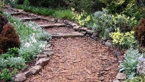 mulch pathway