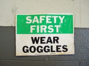 safety sign wear goggles